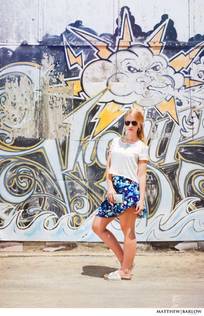 blogger summer outfit blue floral skirt