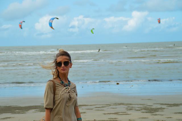 fashion blogger beach