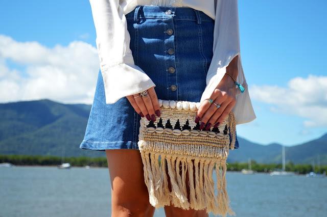 beach shell clutch bag