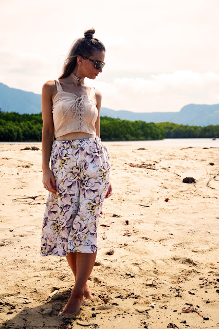 summer lookbook Valleygirl beige knit lace up crop top styled with choker and floral culottes