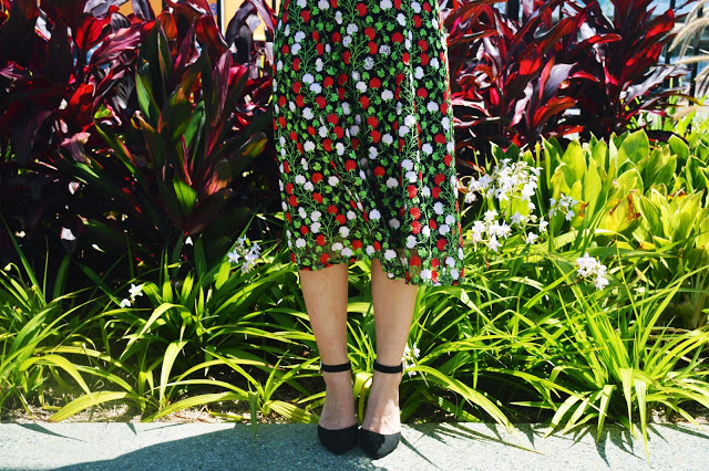 stunning floral embroidery how to wear embroidered florals