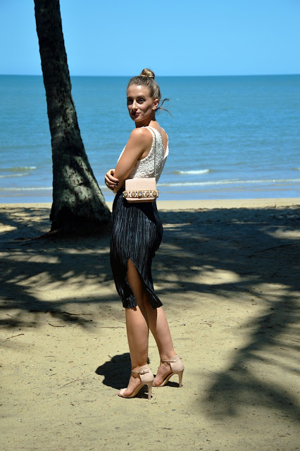 summer holiday vacation evening outfit pleated skirt