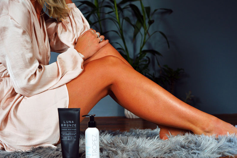 girl with tanned legs fake tan guide st tropez