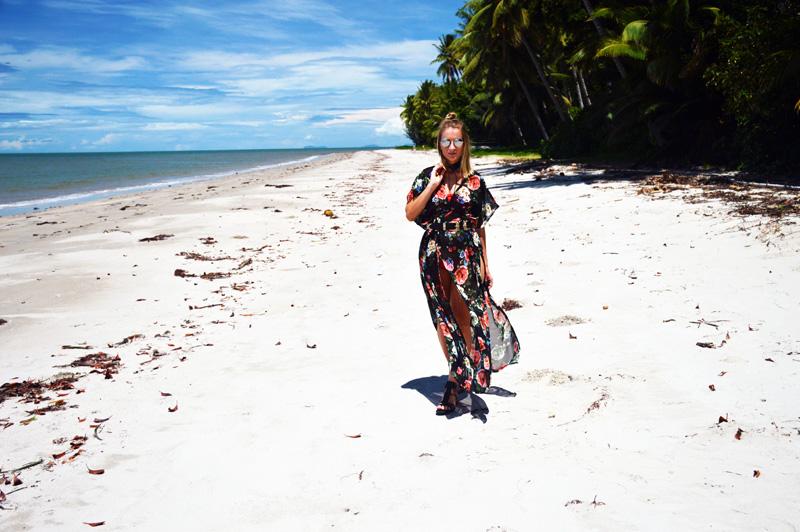 tropical beach blogger wearing boho beach style floral kimono summer outfit
