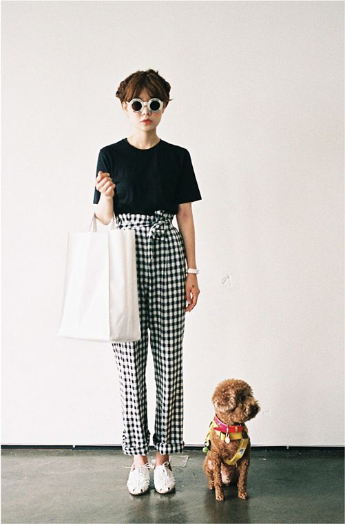 cute pinterest outfit idea gingham pants and black t shirt