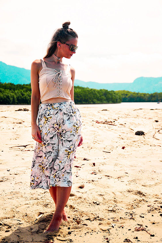 summer culottes outfit beach floral culottes crop lace up top