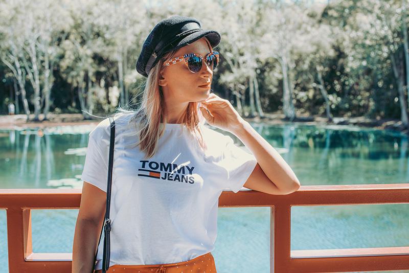 summer outfit details tommy hilfiger vintage tee baker boy hat dolce gabanna floral cat eye sunglasses