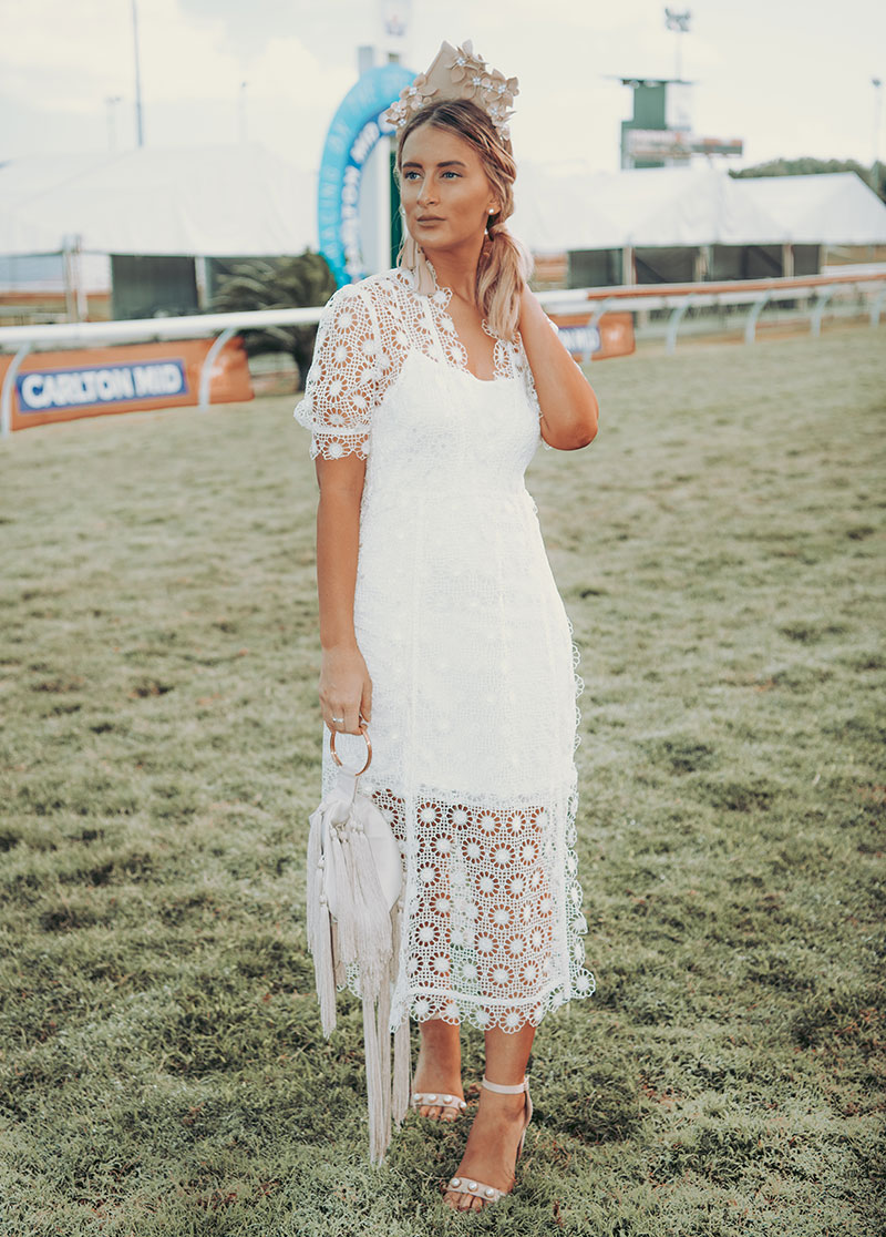 fashion blogger the daily luxe at the cairns amateurs spring racing carnival wearing lace white alice mccall dress leather crown and pearl shoes